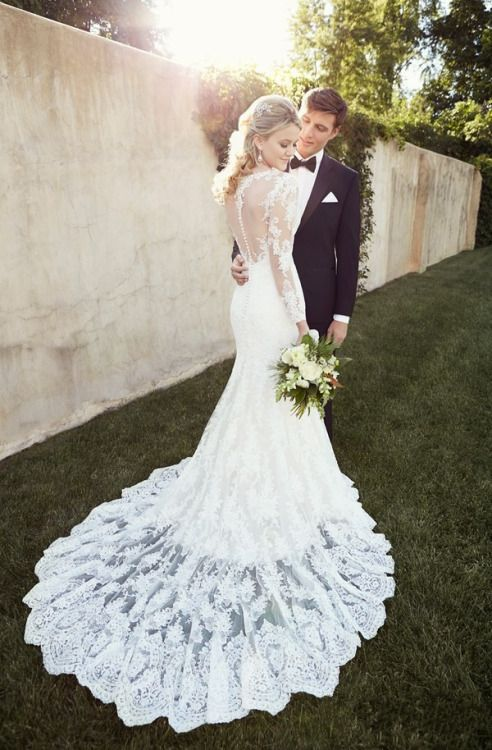 Tumbler Long Sleeve Fitted Wedding Dresses