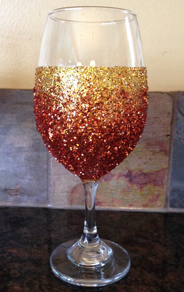 Glitter glasses for your next festive party!