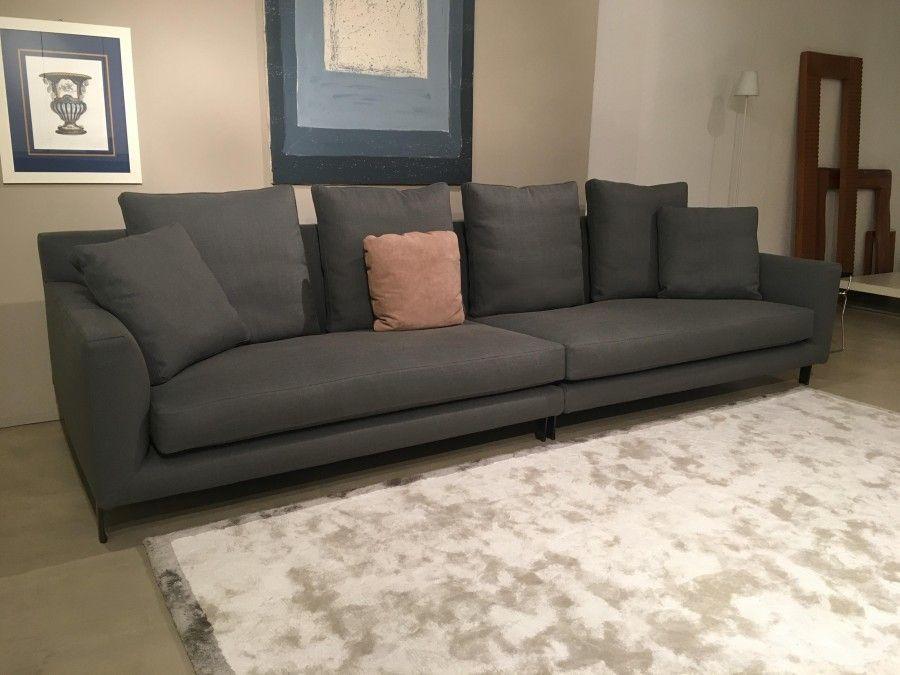 Prestigioso divano realizzato da Minotti, prodotto garantito con ...