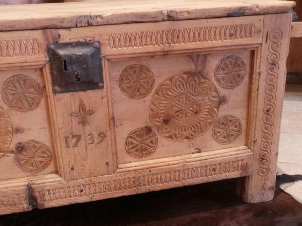coffre ancien st gervais meuble du queyras art populaire