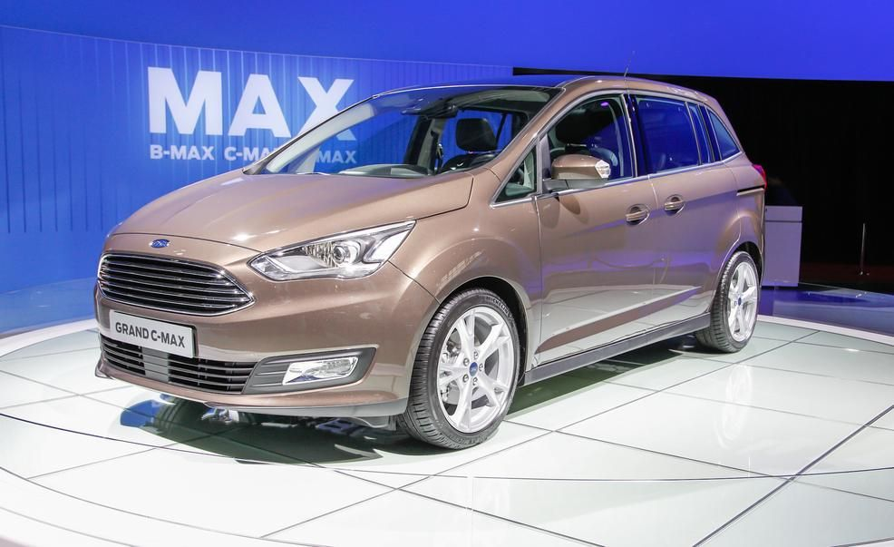 2016 Ford Grand C Max Pictures Photo Gallery Car And Driver