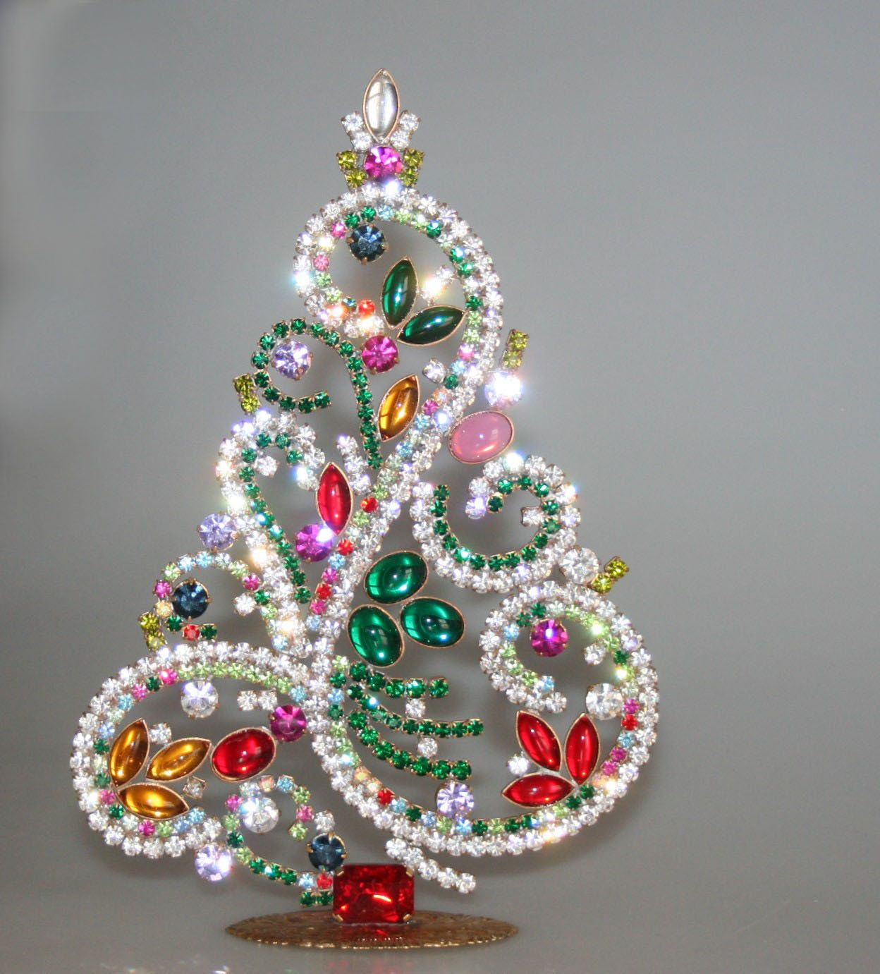 Sale Splendid Vintage Czech Rhinestone Christmas Tree Etsy In 2020 Jewelry Christmas Tree Diy Decorate Picture Frame Genuine Jewelry