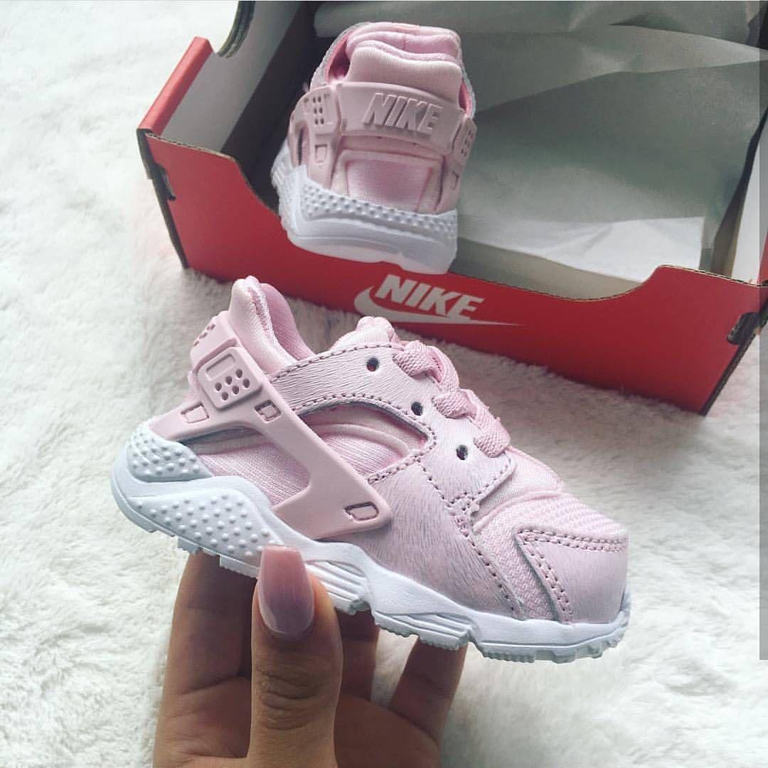 Pin de Vicky Jiménez en Nena (con imágenes) | Nike de bebé