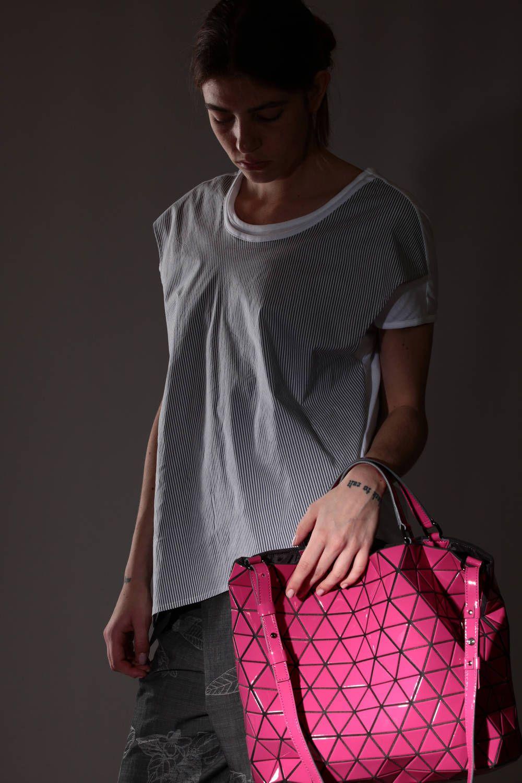 d1aabcfb5df7 BAO BAO Issey Miyake - Medium-Sized Bag Made Of Triangular Plates In Glossy  Polyurethane    Ivo Milan