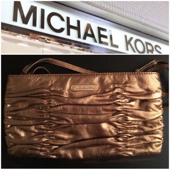 Selling this MK clutch on Poshmark! My username is: helloholly74. #shopmycloset #poshmark #fashion #shopping #style #forsale #Michael Kors #Handbags
