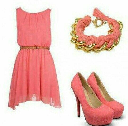 Oufit 1 Vestido=color Coral Con Una Cintilla De Color