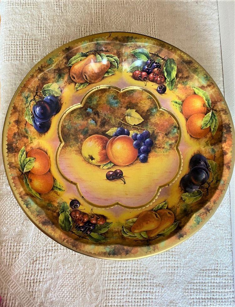 Daher Decorated Ware Metal Dish Fruit Design
