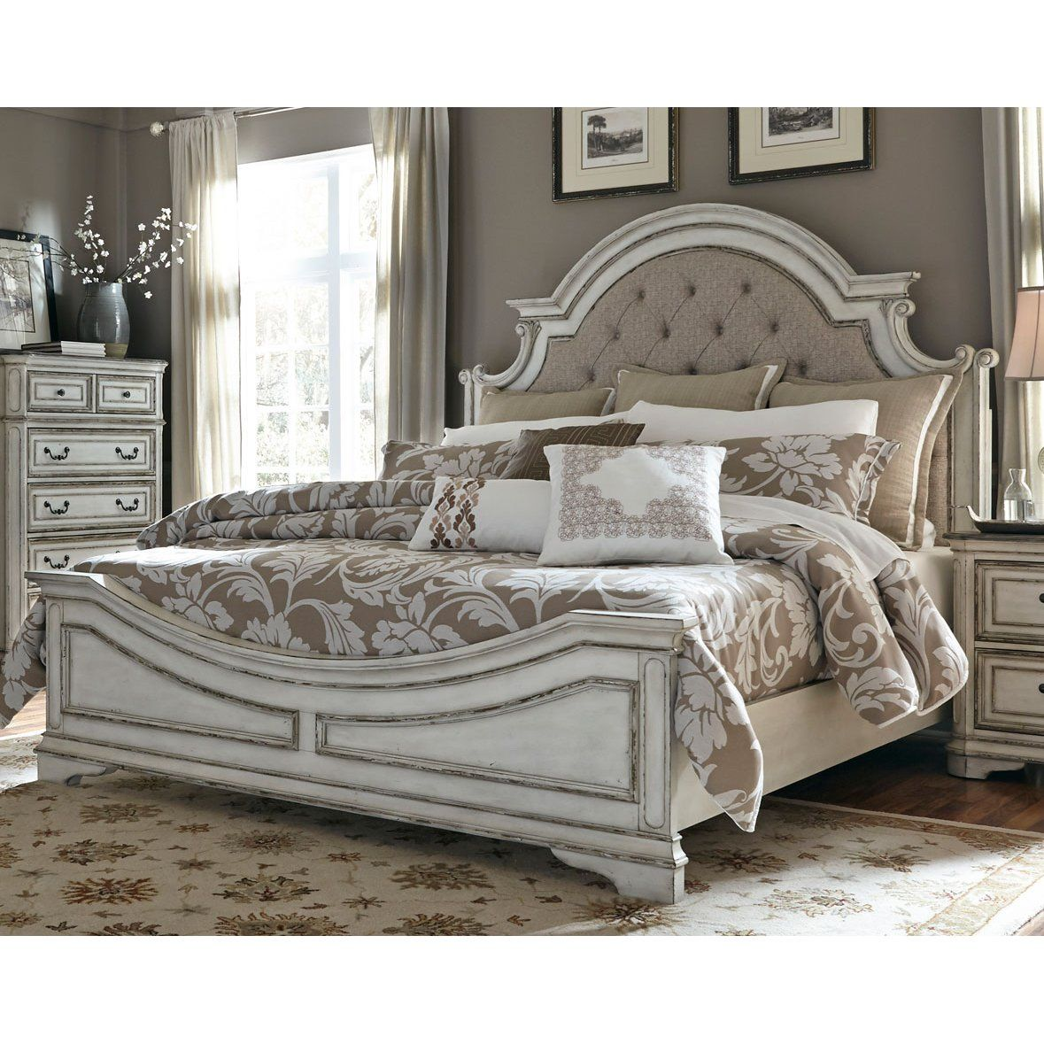 Traditional Antique White Queen Bed Magnolia Manor RC