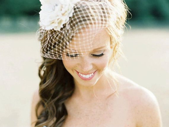I Love This Wedding Hair Cute Birdcage Veil The Side Swept Wavy