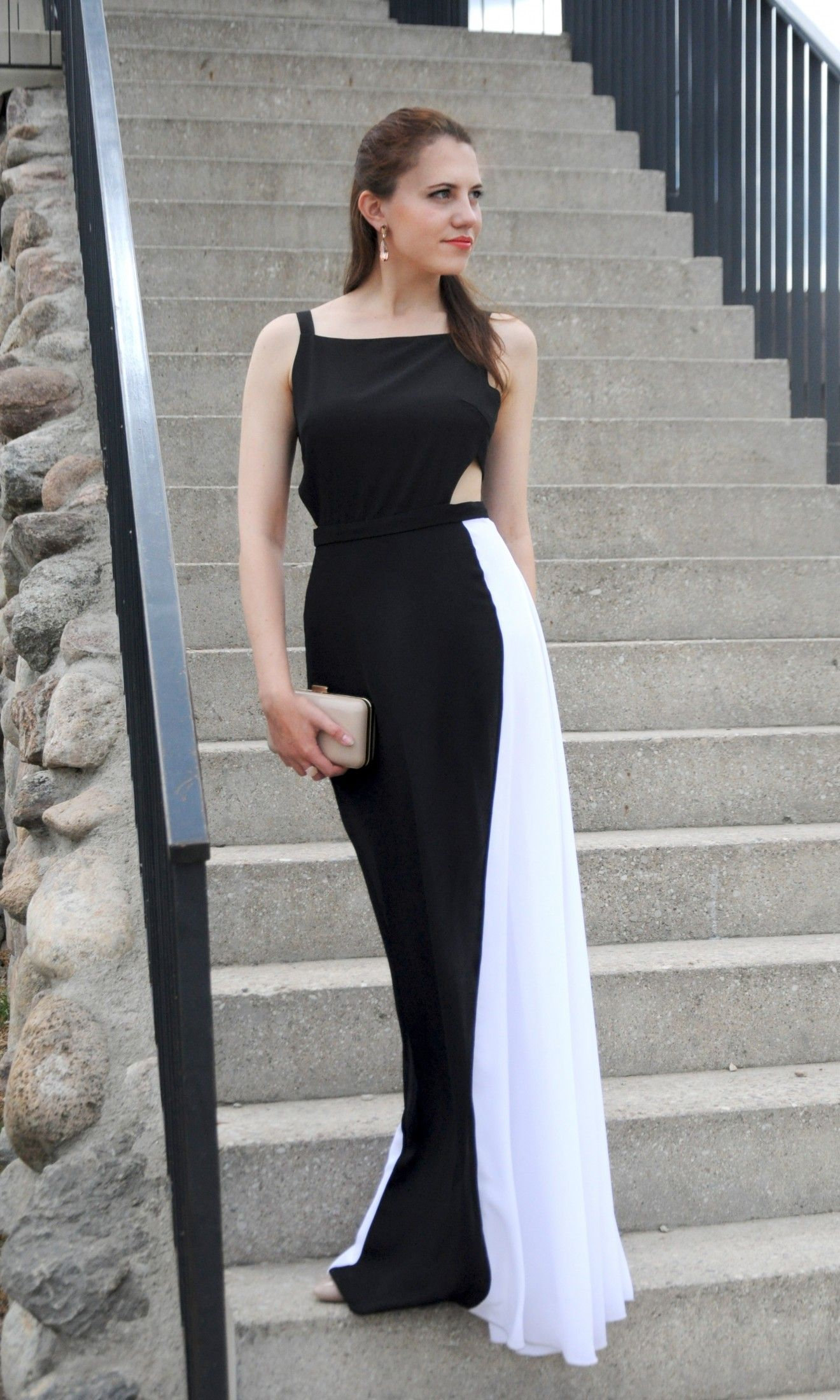 Slimming black and white maxi  great choice for a wedding guest