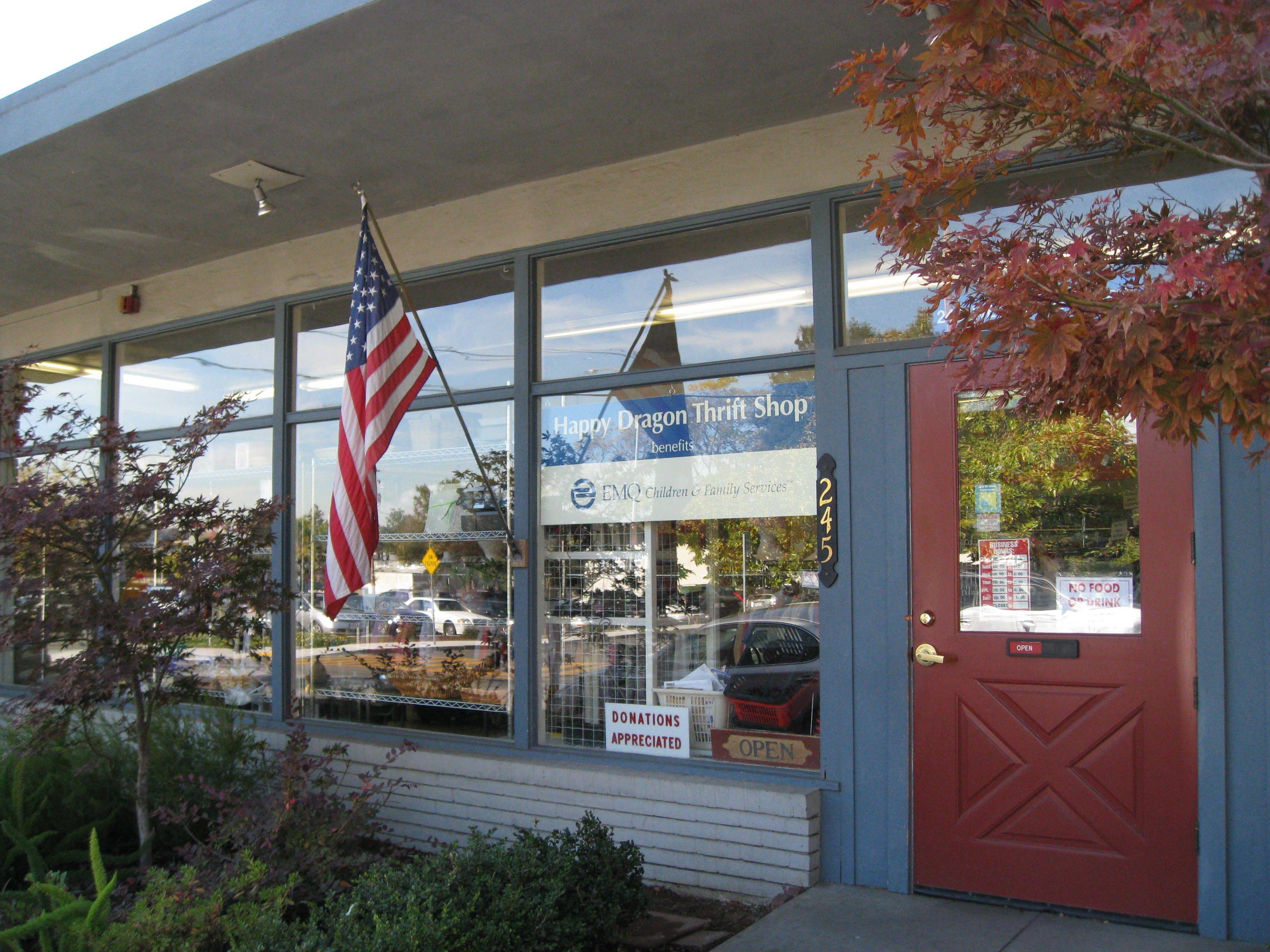 Happy Dragon Thrift Shop in Los Gatos, California