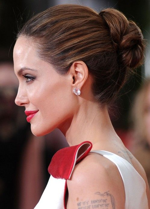 33 Angelina Jolie Hairstyles Angelina Jolie Hair Pictures Pretty Designs Prom Hairstyles Updos Long Hair Styles Bun Hairstyles For Long Hair