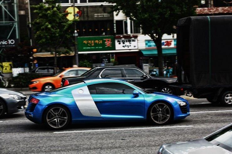 Mysterious Audi R8. Location: Seoul, South Korea.