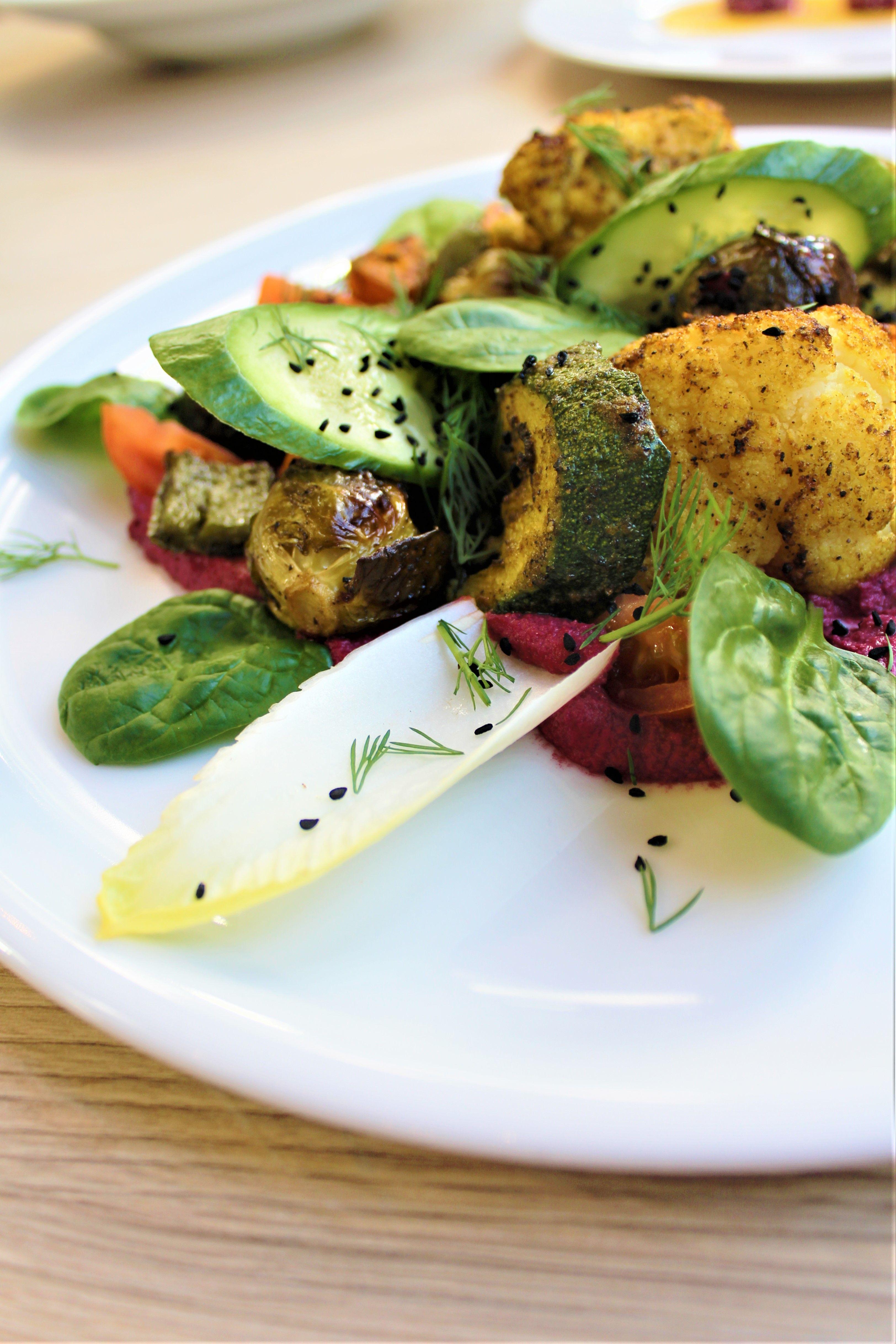 Sprawdz Jakie Mozliwosci Daje Kuchnia Roslinna Restauracja Weganska W Gdyni Soul Fresh To Doskonaly Wybor Food Avocado Toast Vegetables