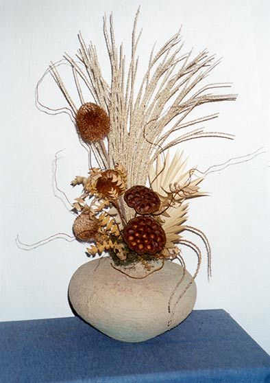 Pin By Diane Kimball On Flowers Flower Arrangements Dried Flower Arrangements Fake Flower