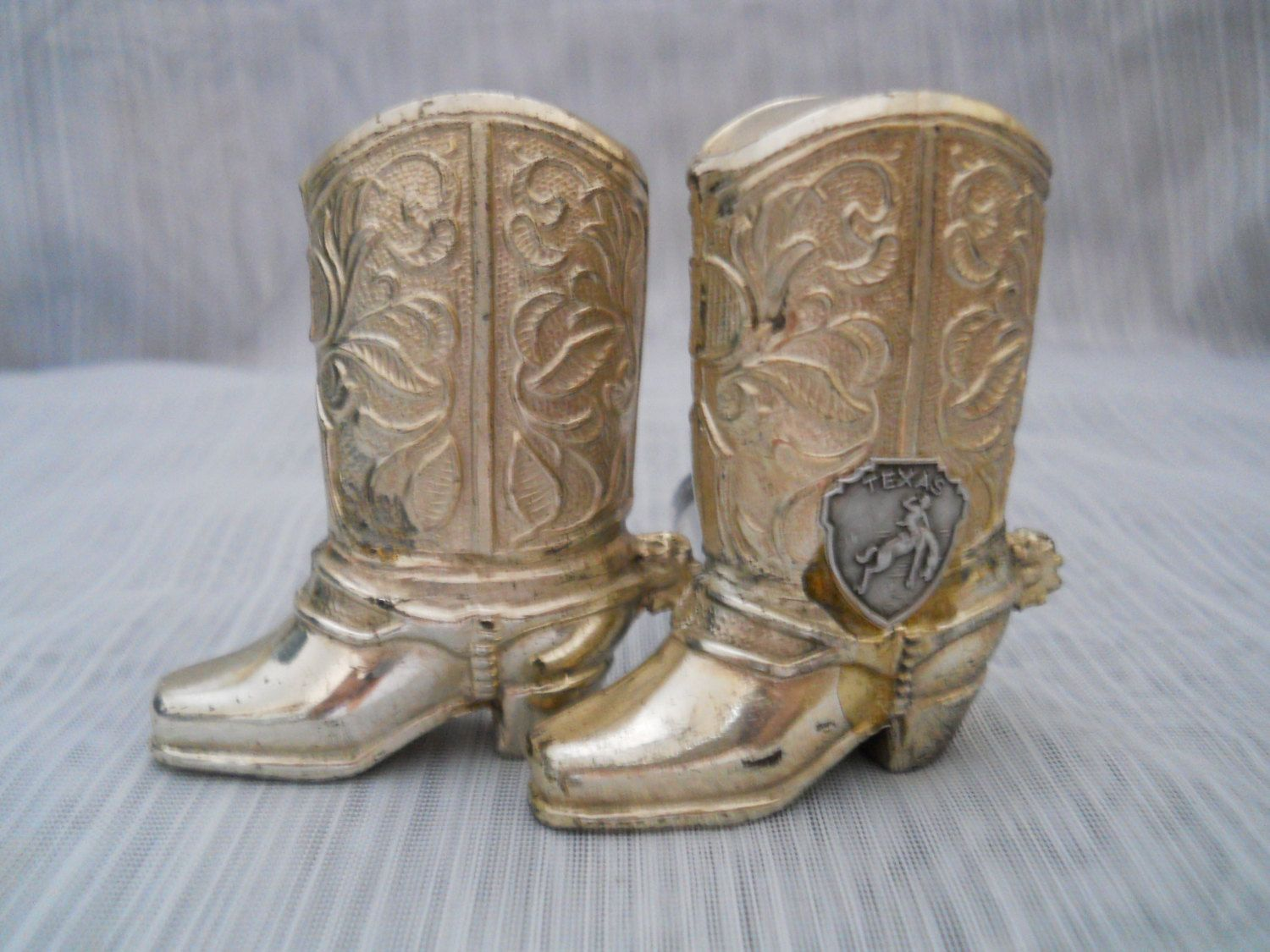 b2f1666f14461 Texas Cowboy boots salt and pepper shakers - vintage