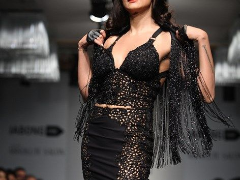 Sushmita Sen Lakme Fashion Week 1