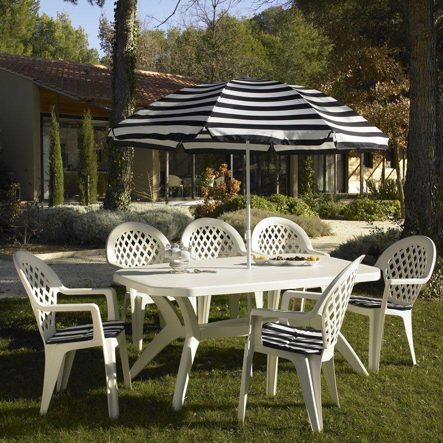 Ensemble De Jardin En Plastique Blanc Grosfillex Disponible Sur Decostock Mobilier Jardin Mobilier Exterieur Ensemble De Jardin