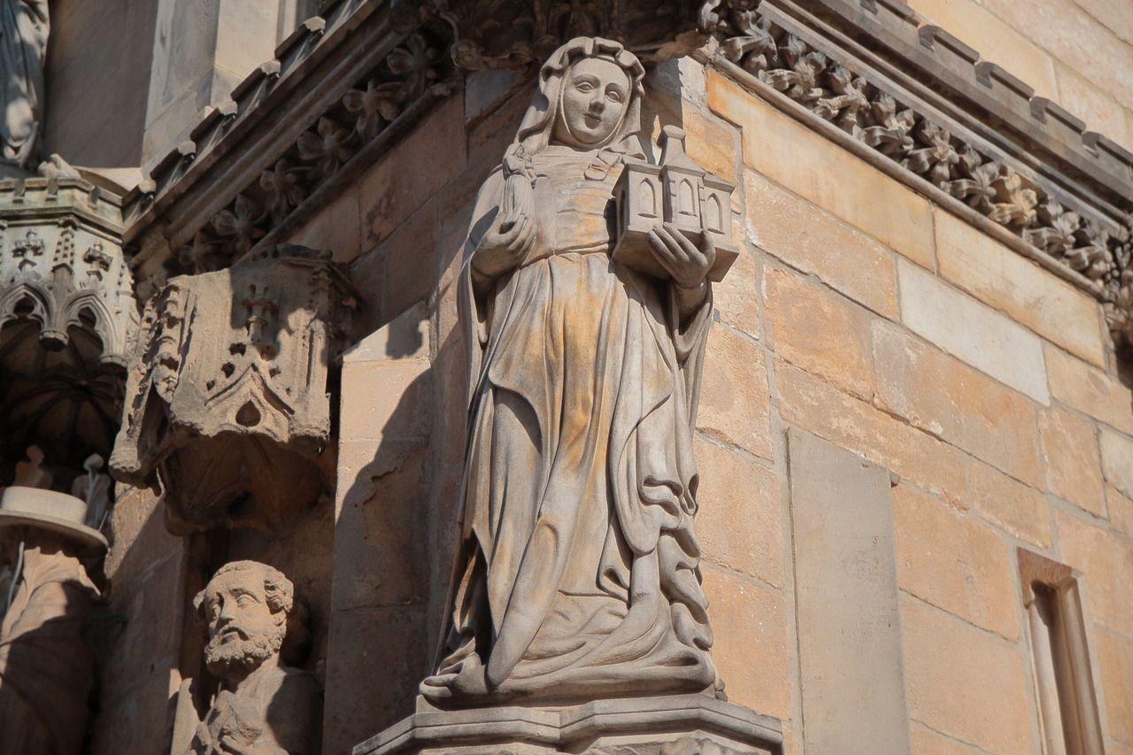 Yodaiiuc ostrÓw tumski wrocław poland ud stone sculptures