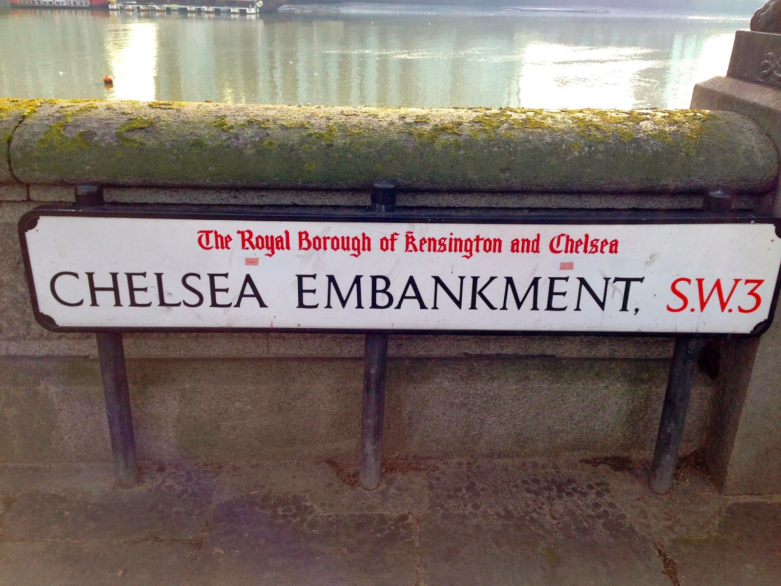 Lovely Travels: A personal travel blog : Yes...another post of Chelsea #london #england #studyabroad #travel #vacation #chelsea #chelseaembankment #kensington #royalborough