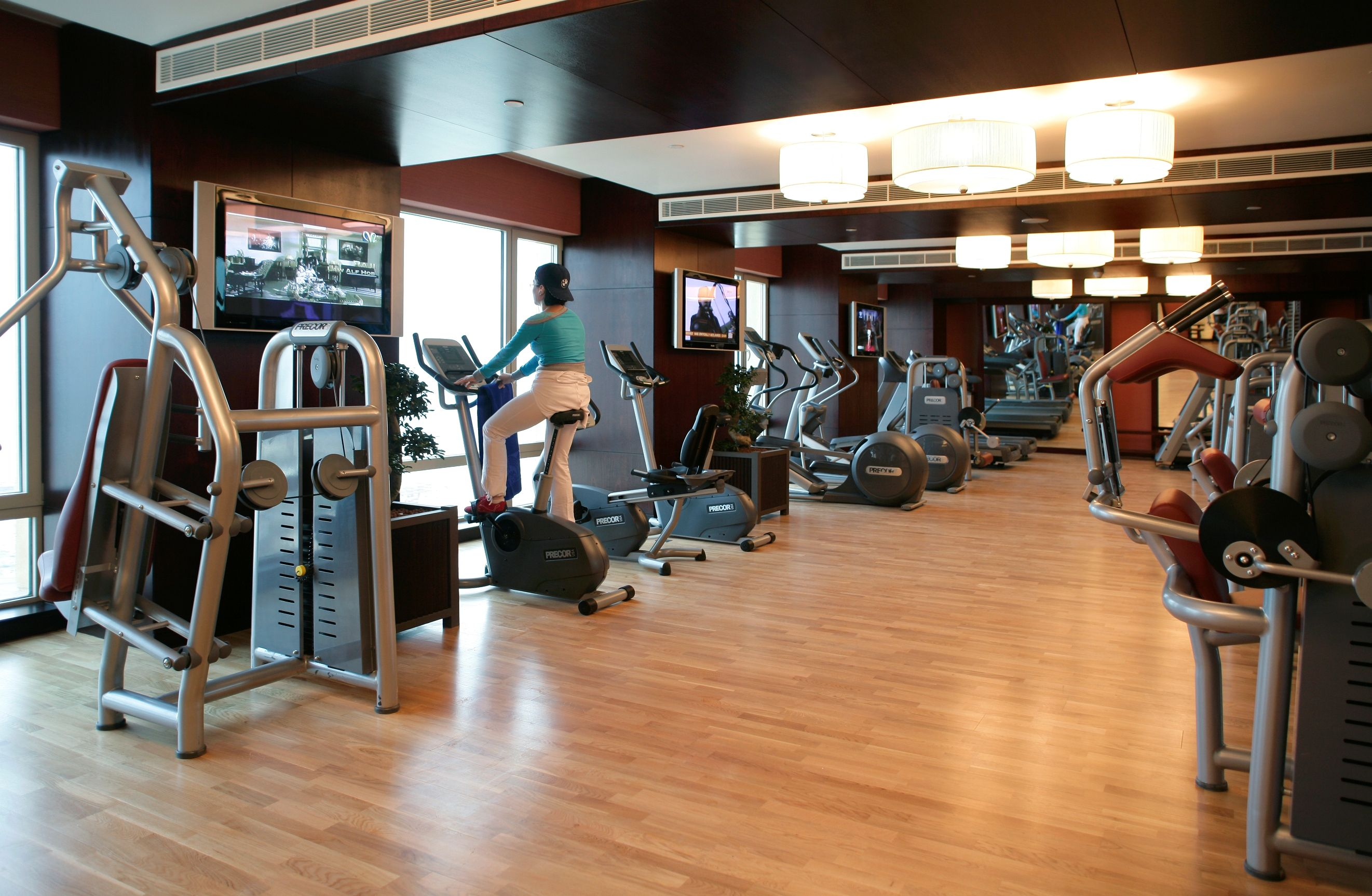 Make it a habit to go to the gym to burn calories and unwanted fats. Visit #Bodylines or email bodylines.almanshar@rotana.com to know more about its existing offers #gym #health #wellness #exercise #body #almansharrotana #kuwait #fahaheel