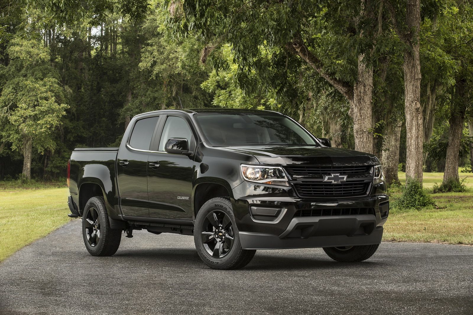 2016 chevy colorado midnight edition and trail boss unveiled kelley blue book