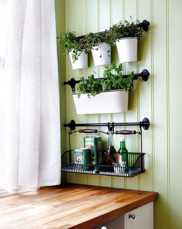 20 Smart Indoor Hanging Herb Garden Ideas Hanging Wire Basket Hanging Herb Garden Garlic Storage
