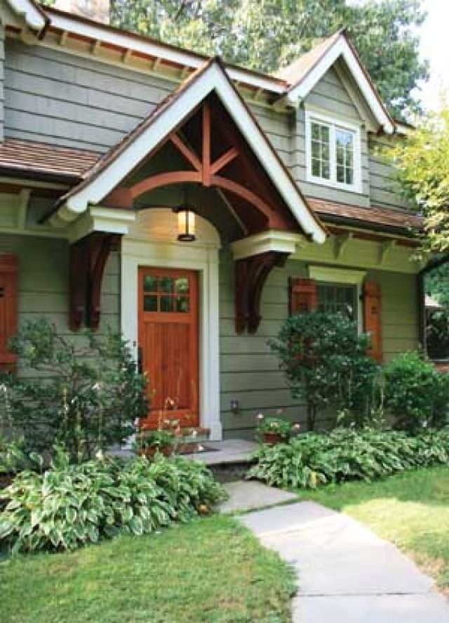Craftsman style cape cod trim around front door for Craftsman cape cod