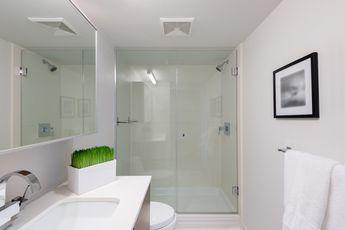 Douche Kleine Badkamer : Gesloten douche met glazen douchewanden kleine badkamer badkamer