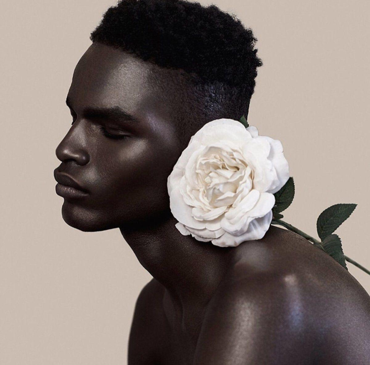 Black Fashion Models Poses: Portrait, Photography Poses