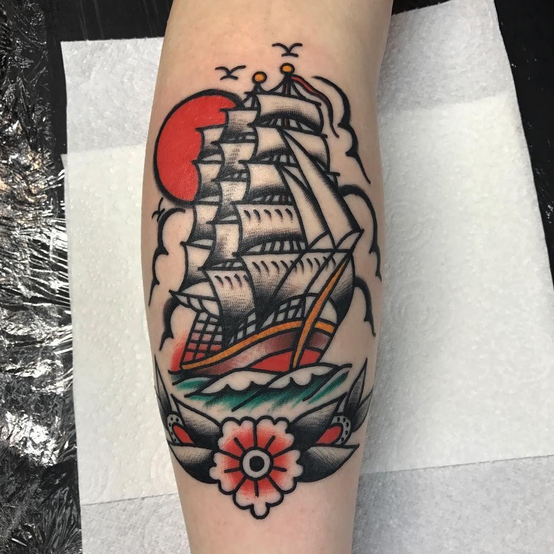 Shipwreak Traditonal Tattoo: Pin On Ship Tattoo