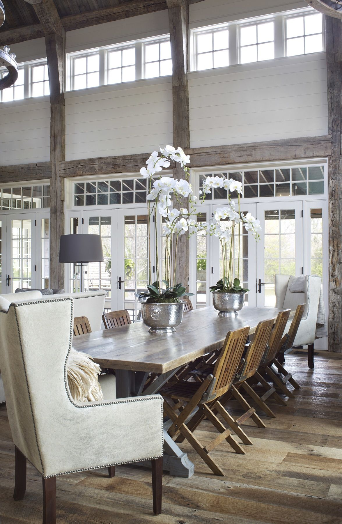 Rusticity Meets Glamour In A Comfortable Livable Country Home