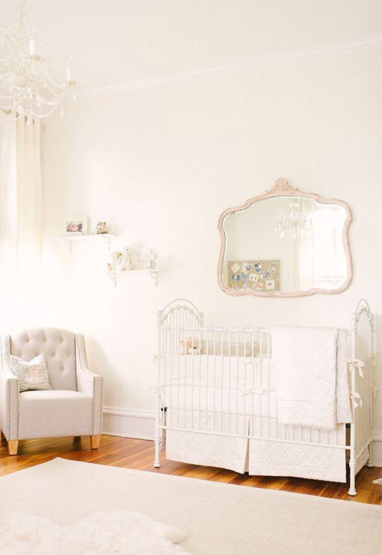 #Babyzimmer In #nude #creme Und #weiß