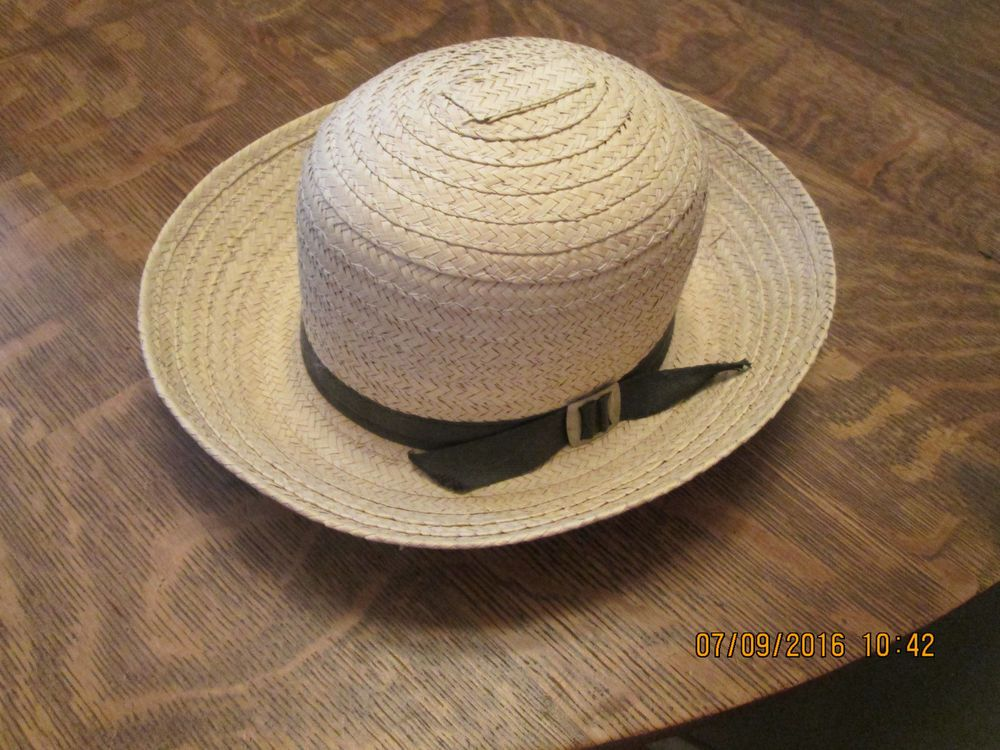 Up for sale is a Amish Mennonite Boy s Natural Straw Hat. Natural Straw  Color. Boys size 6 3 8 th. This Hat is New with out tags. Brown Hat Band. e8751812680