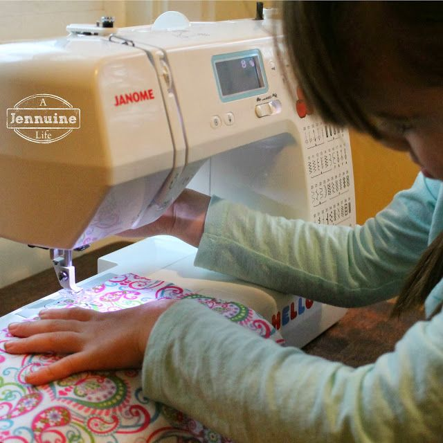 Tiny Sewists: Teaching Kids to Sew :: Lesson 2 - A Jennuine Life