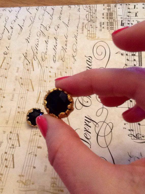 Vintage Black & Gold Tone Clip on Earrings on Etsy, $10.00