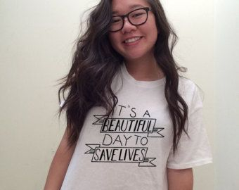 Women's T-Shirts – Etsy