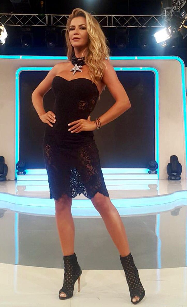 Ivana Sert Kiyafet Moda Elbise
