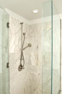 How To Decorate A Small Bathroom That Has An Enclosed Shower Stall