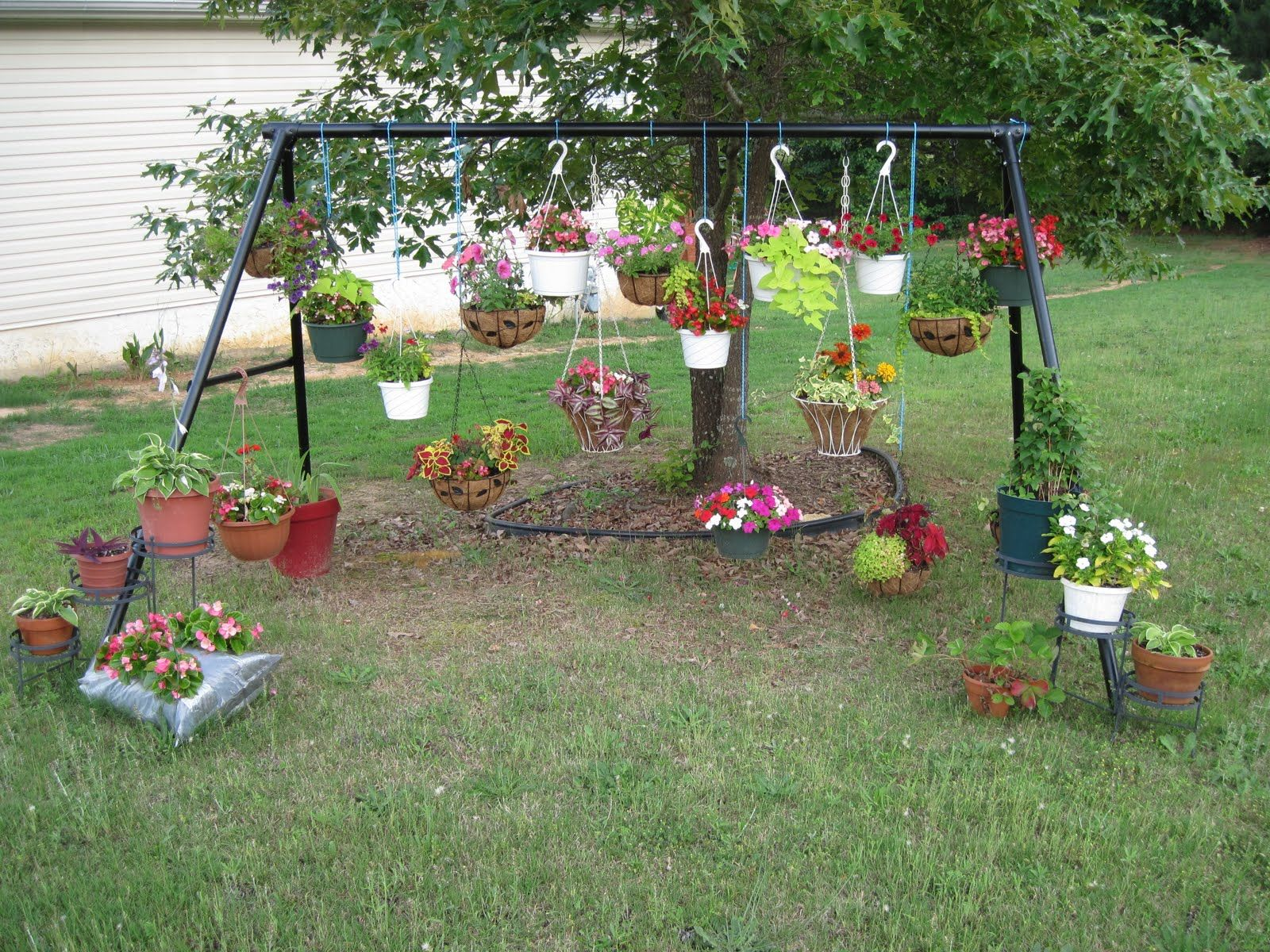 Great Idea For An Old Swing Set Gardens Garden Lawn
