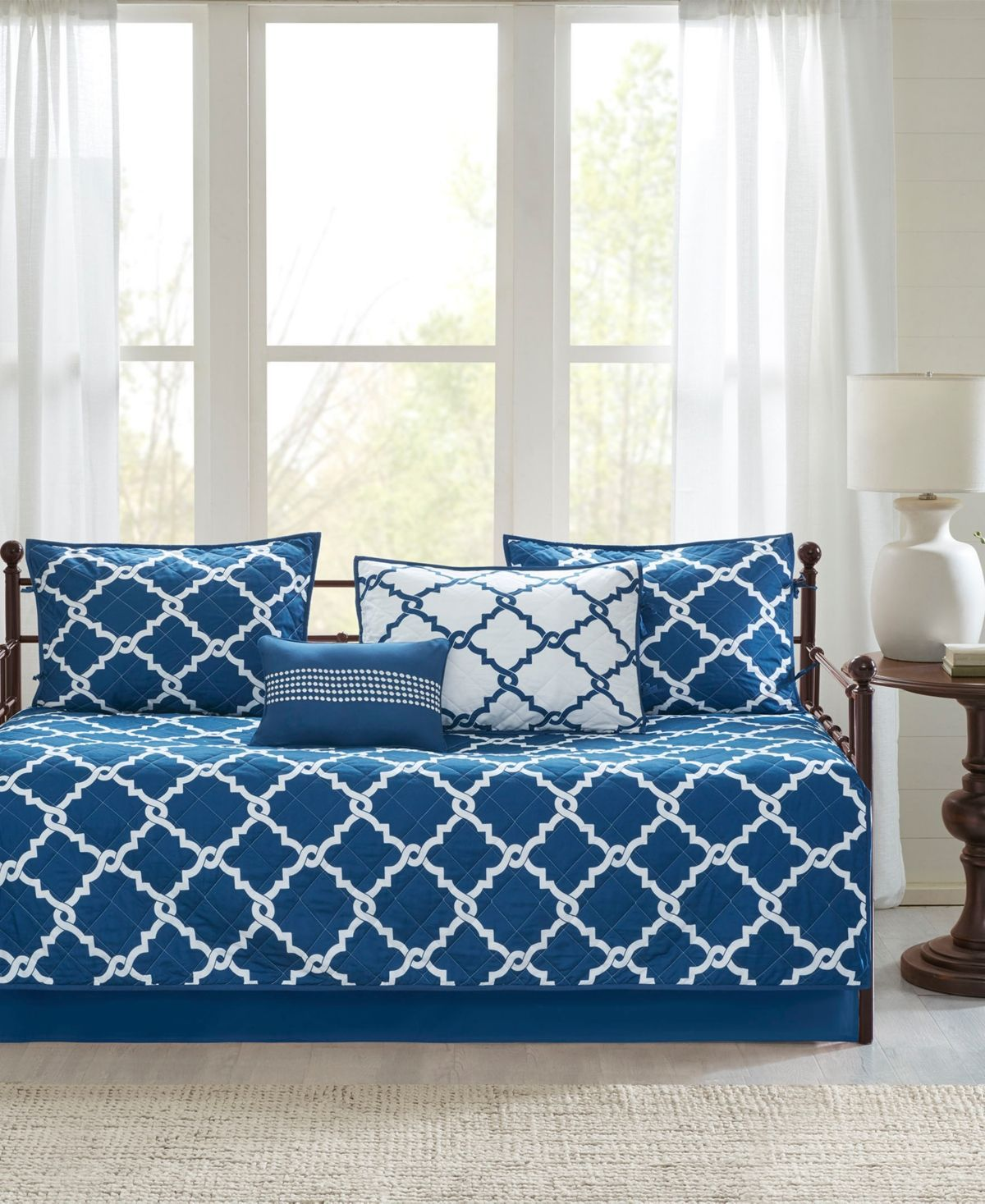 Madison Park Essentials Merritt 6 Pc Reversible Daybed Bedding Set Navy White Homedecorcurtains In 2020 Daybed Bedding Sets Daybed Sets Daybed Bedding