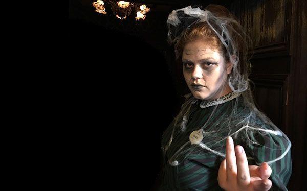 diy haunted mansion maid costume halloween ideas 2018