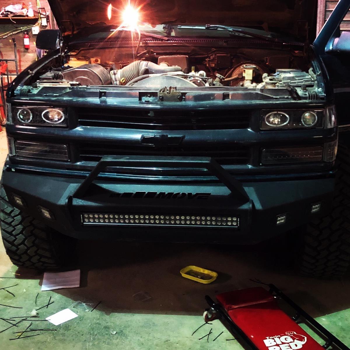 DIY Chevy Suburban 1500 Bumper (4826) MOVE Truck