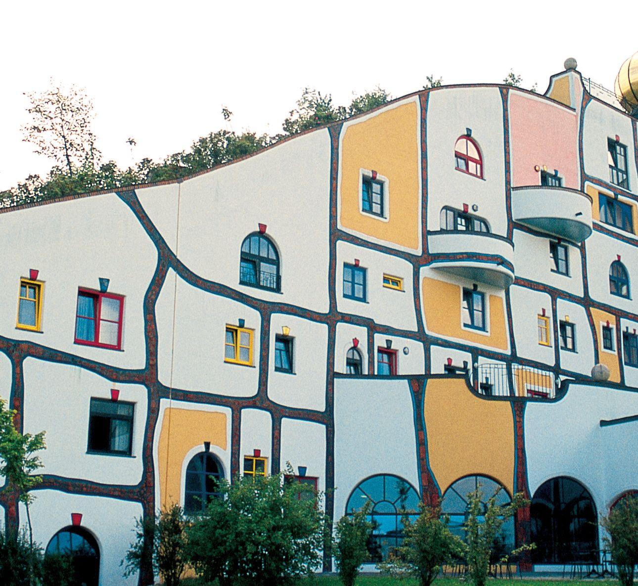 More hundertwasser outside pinterest architecture for Architecture hundertwasser