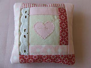 Cute heart appliqué quilt block pillow! sewing pinterest