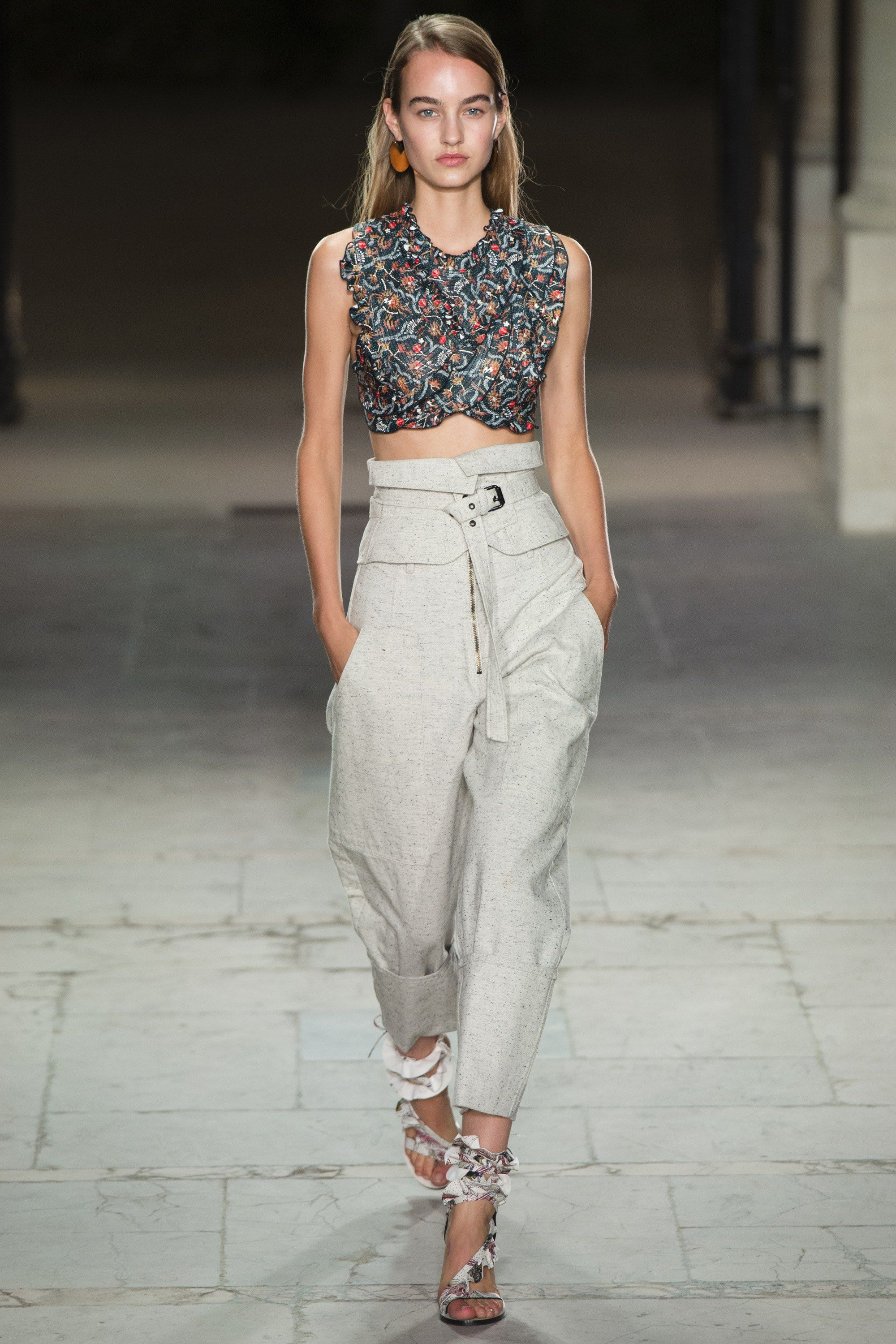 a3caec91a7b Isabel Marant Spring 2017 Ready-to-Wear Fashion Show