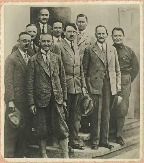 A rare photo of the Nazi leadership in 1930 in Bad Elster. Front row l. to r.; Wilhelm Frick, Adolf Hitler, Fritz von Epp, Hermann Göring. Back row; Heinrich Himmler, Martin Mutschmann, Otto Strasser, Joseph Goebbels, Julius Schaub. Odd to see Himmler out of uniform a professional context and Goering off to the side in an SA uniform. Goebbels, as always, has Hitler's back.