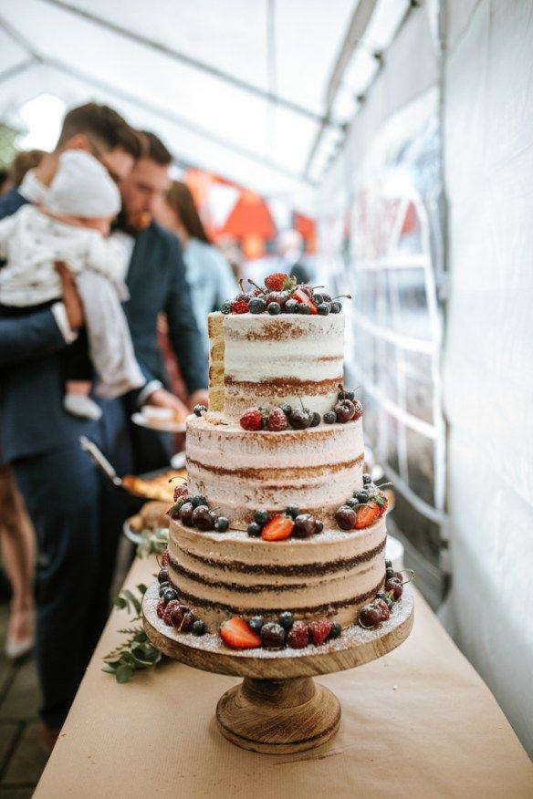 Traumhafte Hochzeitstorte mit Schokolade, Erdbeere und Vanille – Hochzeitstorten