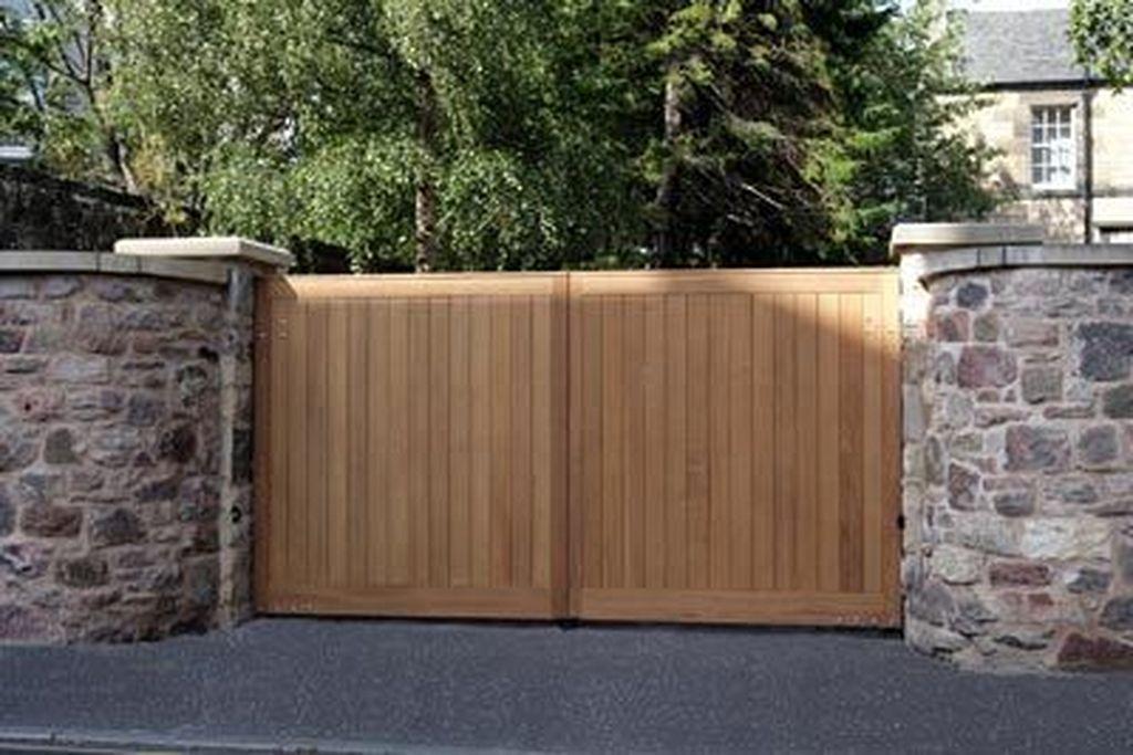 20 Modern And Natural Wood Gates Driveway Design Wood Gates Driveway Driveway Gate Wood Gate