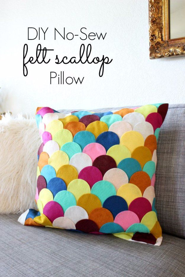 ... Projects - DIY No-Sew Felt Scalloped Pillow - Decorative Cases and Covers Throw Pillows Cute and Easy Tutorials for Making Crafty Home Decor - Sewing ... & 37 DIY Pillows That Will Upgrade Your Decor In Minutes | Pinterest ...